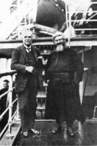 P. Semeria, in partenza per l'America, posa con il Maestro Pietro Mascagni