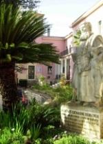 """P. Semeria tra due orfanelli (Istituto """"P. Giovanni Semeria"""" di Sparanise - Ce):"""
