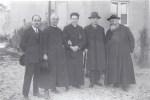Foto di gruppo: Cozzani, Mons. Varischi, Don Rescalli, Generale Cadorna e P. Semeria