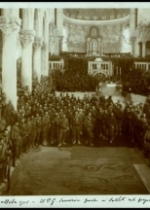 Aquileia, 31 ottobre 1915. U.P.G. Semeria parla ai soldati dal pergamo della Basilica.